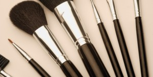 Clean Your Cosmetic Brushes!