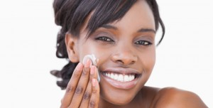 Moisturizer or Topical Acne Cream-Which to Apply First After Cleansing